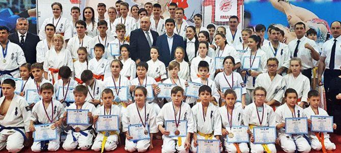 Юные православные надымчане приняли участие в первенстве Ямала по киокушинкай каратэ